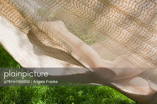 In der Hängematte - p781m1092932 von Angela Franke