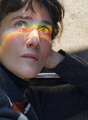 Rainbow ray of light - p1610m2185286 by myriam tirler