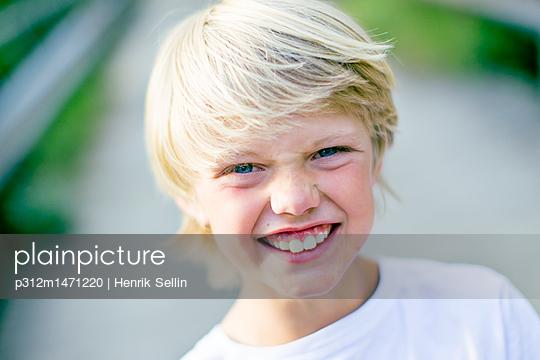 p312m1471220 von Henrik Sellin