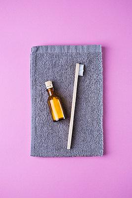 Zero waste cosmetics - p1149m2086662 by Yvonne Röder