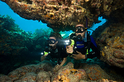 Pair of scuba divers - p3433699 by Stephen Frink