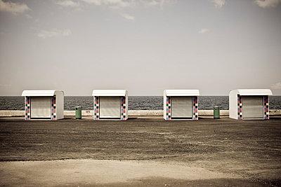 Kioske am Meer - p5350263 von Michelle Gibson