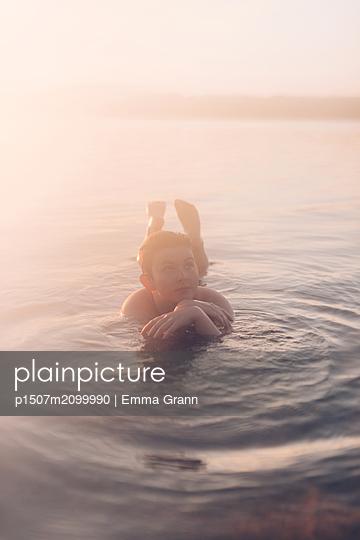 p1507m2099990 by Emma Grann