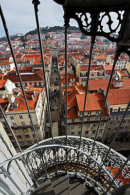 Portugal, Lisboa, Baixa, view over the city - p300m873422f by Ingo Bartussek