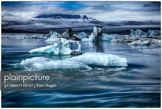 Drift ice near Icelandic coast - p1154m1110137 by Tom Hogan