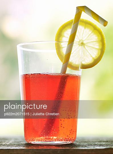 Lemonade - p922m2071515 by Juliette Chretien