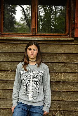 Portrait einer Jugendlichen - p1354m1423607 von Kaiser