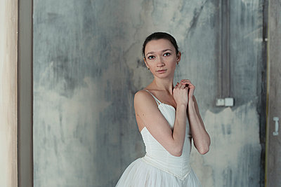 Portrait if ballerina - p1476m1564060 by Yulia Artemyeva