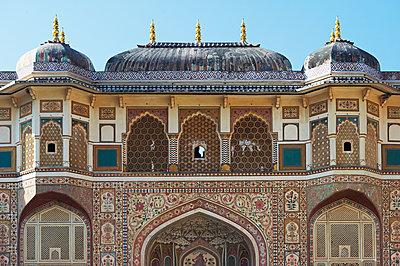 Verzierte Fassade eines Palasts - p1259m1111431 von J.-P. Westermann