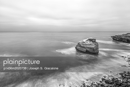 Sunset Cliffs Natural Park, California coast - p1436m2020738 von Joseph S. Giacalone