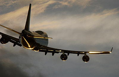 Boeing 747 - p1048m1029919 by Mark Wagner