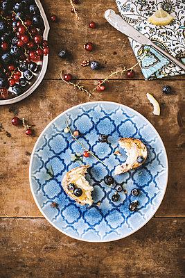 Beeren-Frühstück II - p1126m912569 von Tina Sturzenegger
