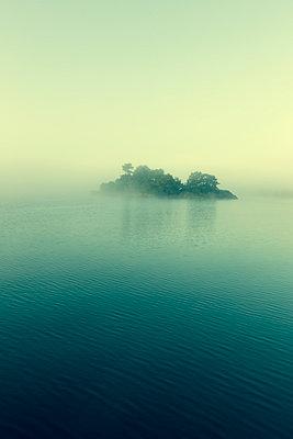 Little island - p745m891625 by Reto Puppetti