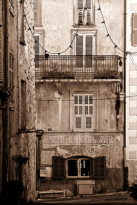 Old houses - p9770009 by Sandrine Pic