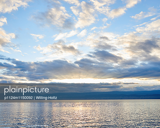 Lichtstimmung am Genfer See - p1124m1150092 von Willing-Holtz