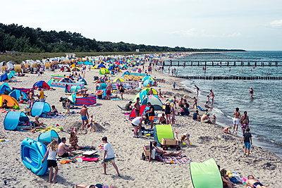 Strandleben - p354m1215306 von Andreas Süss