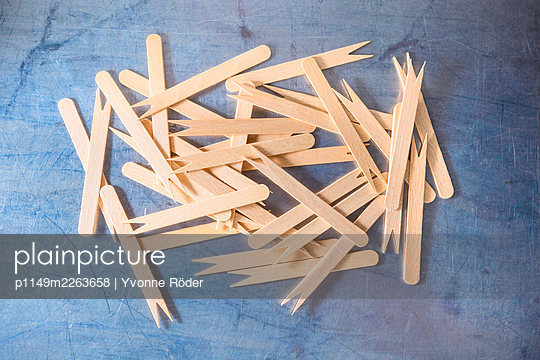 French fries forks - p1149m2263658 by Yvonne Röder