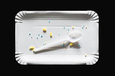 Crumbs - p1149m1223000 by Yvonne Röder