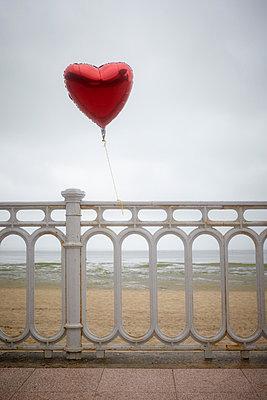Heart baloon - p464m877462 by Elektrons 08