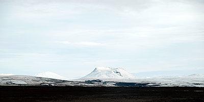 Blick auf einen Vulkan - p1105m1222078 von Virginie Plauchut