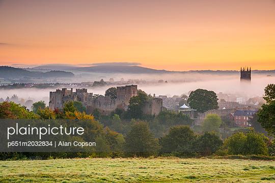 p651m2032834 von Alan Copson