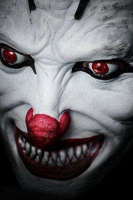 Horrorclown - p1280m2089691 von Dave Wall