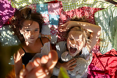 Happy kids - p1348m1496958 von HANDKE + NEU