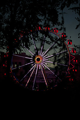 Ferris wheel - p450m2211063 by Hanka Steidle