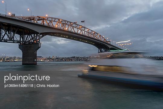 Auckland Harbour Bridge - p1369m1496118 by Chris Hooton