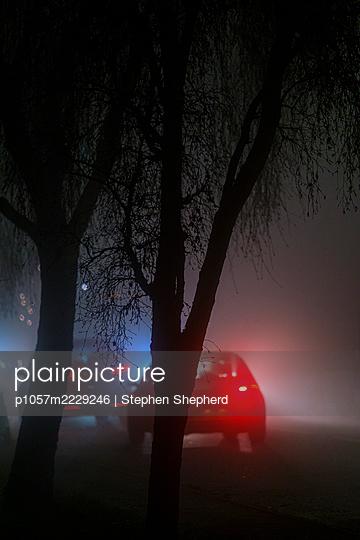 Bremslicht bei Nacht - p1057m2229246 von Stephen Shepherd