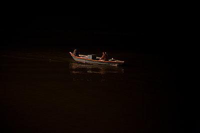 Varanasi - p1007m1059969 by Tilby Vattard