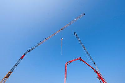 Baustelle - p427m1049956 von R. Mohr