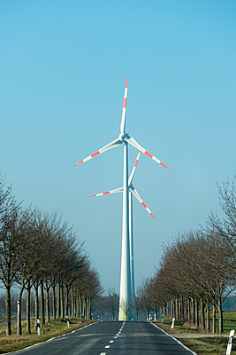Highway and wind turbines - p739m1119405 by Baertels