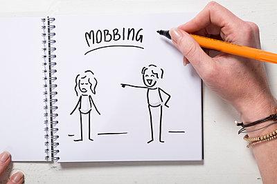 Illustration Mobbing - p299m1225697 von Silke Heyer