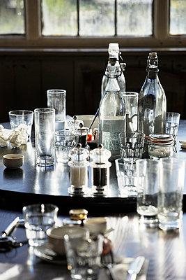 Ecktisch in einem Pub - p1048m1018155 von Mark Wagner