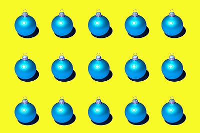Christmas baubles - p1149m2141749 by Yvonne Röder