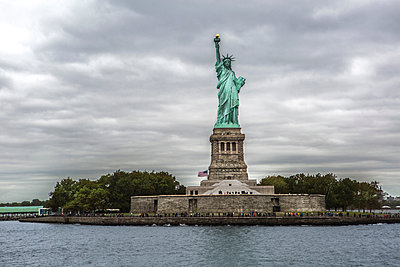 Statue of Liberty, New York City, New York, USA - p924m1495082 by Zero Creatives