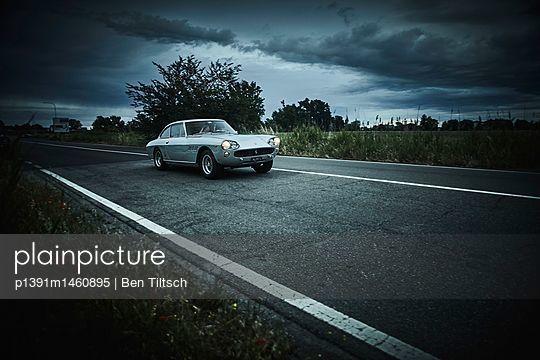 p1391m1460895 by Ben Tiltsch
