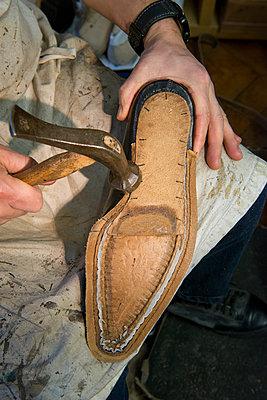Bespoke shoes - p1216m2260944 by Céleste Manet