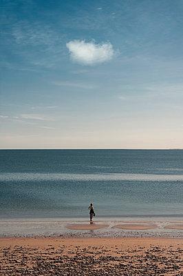 Strandspaziergang - p470m2108840 von Ingrid Michel