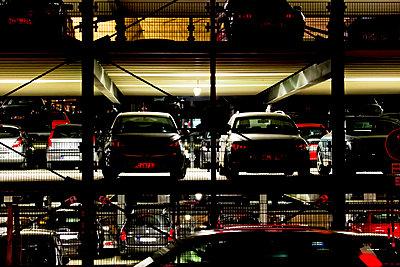 Parkhaus - p979m1036115 von Kosa, Martin
