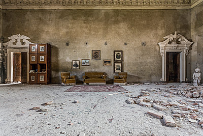 Abandoned italian villa - p1440m1497542 by terence abela