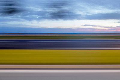 Bewegungsunschärfe - p335m1007592 von Andreas Körner
