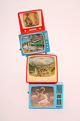 Miniature tv - p1650870 by Andrea Schoenrock