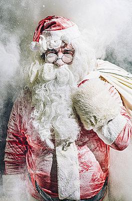 Portrait of Santa Claus - p300m2140690 von Oscar Carrascosa Martinez