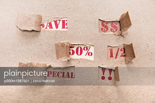 Sale, brown paper, special, save, 50 percent, US-Dollar - p300m1587601 von zerocreatives