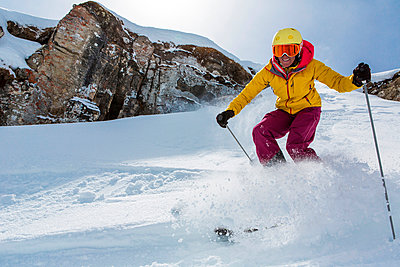 Switzerland, Graubuenden, Obersaxen, female Skier - p300m981598f by Varbes