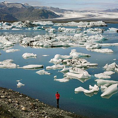 Scenes Of Iceland - p1028m767033 von Jean Marmeisse