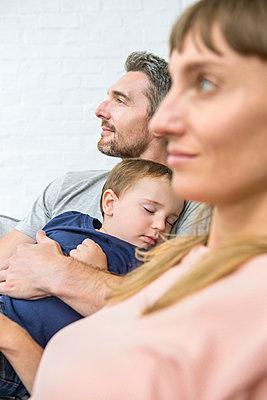 Familie mit Kleinkind - p1156m1585838 von miep