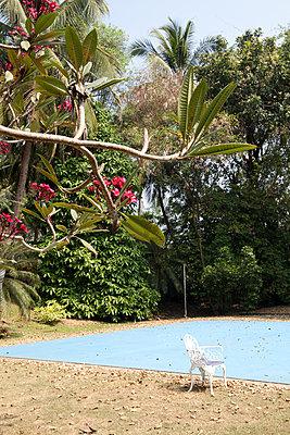 Privater Tennisplatz in Indien - p1356m1525286 von Markus Rauchenwald